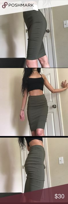 ❣️NWT❣️ASOS army navy green midi bodycon skirt New with tags. Amazing quality and never worn. Form fitting and very flattering on any body type. Size 0. 70% Viscose 26% nylon 4% elastase. Perfect for a date night or a special occasion. Pair with a black/grey color crop top or body suit (or navy green for a more trendy look) and black open toe heels. Visit my page for similar styled items ❤️ ASOS Skirts Midi