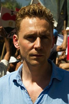 Tom Hiddleston as Jonathan Pine in The Night Manager. Full size image: http://www.tomhiddleston.us/gallery/albums/userpics/10001/TNMStill009.jpg Source: Tom Hiddleston Fans http://www.tomhiddleston.us/gallery/displayimage.php?album=632&pid=24980#top_display_media