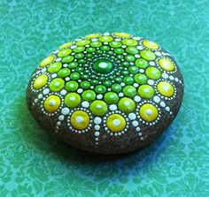 Fonte: Etsy.com via Deniza17 in EUA    Criatividade com muita arte: Trabalhos magníficos com muita beleza.  Pedras ...