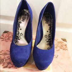 SALE  LIMITED TIME ONLY! Brash Blue Heels Blue Comet Platform Heels                           Open to Offers Brash Shoes Platforms