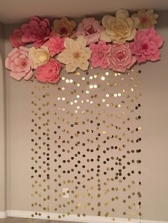New baby diy ideas wall art 34 Ideas Gold Backdrop, Paper Flower Backdrop, Paper Flowers Diy, Backdrop Ideas, Paper Flower Wall, Paper Flower Garlands, Backdrop Decor, Craft Flowers, Paper Roses