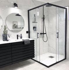 Banheiro preto e branco: 50 dicas e inspirações Bathroom Goals, Dream Bathrooms, Master Bathrooms, Small Bathrooms, Beautiful Bathrooms, Farmhouse Bathrooms, Modern Farmhouse, Bathroom Interior Design, Spa Interior