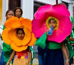 Flower children in Casco Viejo for a parade. Super cute costumes.