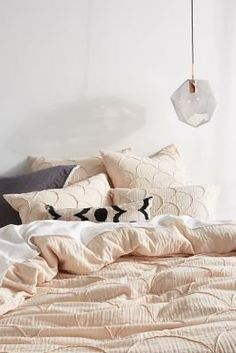 Spend your Sunday morning with this cozy duvet