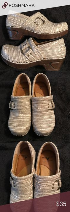 Nurse Mates Clogs Beautiful Nurse Mates clogs, only worn once. Nurse Mates Shoes Mules & Clogs