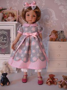 Robe romantique pour poupée Little Darling de Dianna Effner
