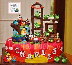 Como fazer as personagens dos Angry Birds   em Pasta de Açúcar     Enfeite um bolo de Aniversário e cupcakes usando estas dicas!       ...