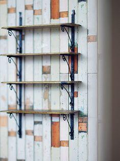 petipetitこと kiyomiです 築40年の中古マンションに家族4人で暮らしています。handmade家具を趣味で製作 *インテリア*ミニチュアそして甘いスウィーツが大好きな2児の主婦。どうぞ宜しくお願いします。