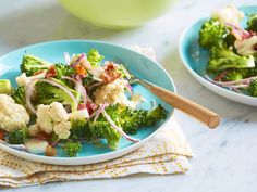 Broccoli and Cauliflower Salad Recipe : Melissa d'Arabian : Food Network - Recipes - Sides - Blumenkohl Best Broccoli Salad Recipe, Broccoli Cauliflower Salad, Broccoli Recipes, Salad Recipes, Raw Broccoli, Healthy Salads, Healthy Eating, Healthy Recipes, Vegetarian Recipes