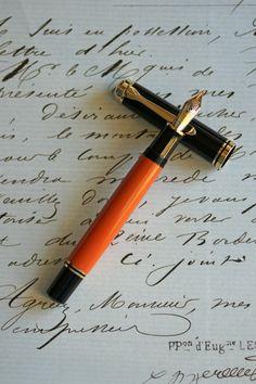 Pelikan Fountain Pen, Fountain Pen Ink, Pelikan Pens, Writing Pens, Letter Writing, Doodle Diary, Custom Pens, Pencil And Paper, Writing Instruments
