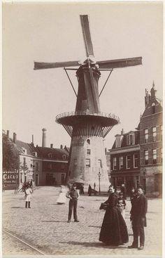 Rotterdam - Oostplein. Molen 'De Noord', gezien vanaf de Goudsche Singel. . 1885 Rotterdam, Throughout The World, Around The Worlds, Holland Windmills, Paradise On Earth, The Old Days, Old City, Netherlands, Dutch