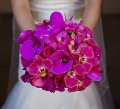 Bridal bouquet of Magenta Phalaenopsis & fuchsia orchids Photo: Brianna-Marie Photography Orchid Bouquet Wedding, Bride Bouquets, Bridal Flowers, Bridesmaid Bouquet, Purple Bouquets, Pink Purple Wedding, Floral Wedding, Cute Wedding Ideas, Wedding Inspiration