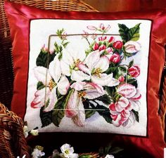 Cross stitch - flowers: Apple blossom - cushion (free pattern with chart)