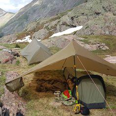 Bivy shelter and bivy sack combo Auto Camping, Camping And Hiking, Tent Camping, Outdoor Camping, Camping Hacks, Outdoor Gear, Camping Cart, Winter Camping, Bushcraft Camping