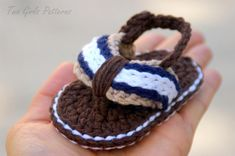 Summer is on its way, crochet a cute pair of baby sandals like these. Get creative with your color choices, you'll never have to buy a pair of sandals again.