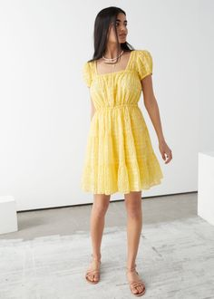 Lily Cole, Celebrity Style Dresses, Mini Dress With Sleeves, Models, Tiered Dress, Fashion Story, Yellow Dress, Maternity Dresses, Vanity Fair