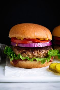 The Ultimate Turkey Burger! Made with everyday ingredients and they taste just as good as a beefy hamburger! They take less than 10 minutes prep and 10 Baked Turkey Burgers, Homemade Turkey Burgers, Ground Turkey Burgers, Turkey Burger Recipes, Chicken Recipes, Mayonnaise, Ketchup, Turkey Cooking Times, Grilling Recipes