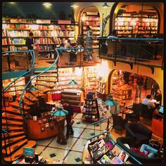 beautiful cafe inside a library! cafebreria el pendulo along alejandro dumas, said to be one of the top ten most beautiful bookshops in the world. Bookstore Design, Library Design, Dream Library, Libraries, Most Beautiful, Bistros, Top Ten, World, Thesis