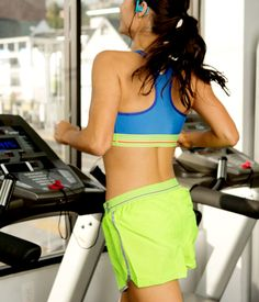 Looking to blast a ton of calories in just one hour? This challenging treadmill interval workout has your name all over it. Mixing up your pace every few minutes is a technique that helps blast belly fat and keeps things feeling fresh, so you don't deal with the boredom that can come from a long treadmill workout.