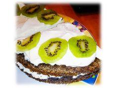 Maková torta - torta bez múky vhodná aj pre celiatikov. Možné variovať ovocie, veľmi jednoduchá na prípravu a obľúbená.