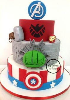 Avengers Cake made by Dani Rollemberg (Umbigo no Fogão)