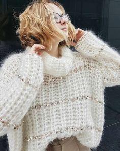 Knitwear Fashion, Knit Fashion, Crochet T Shirts, Knit Crochet, Barbie Mode, Mohair Sweater, Knitting Designs, Baby Knitting, Sweaters For Women