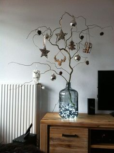 Stunning Winter Tree Decorations Ideas That You Need To Try Minimal Christmas, Cozy Christmas, Scandinavian Christmas, Christmas Crafts, New Years Decorations, Christmas Tree Decorations, Xmas Tree, Hygge Christmas, Alternative Christmas Tree