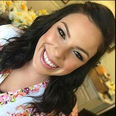 From @makeupbybrittanym Let's talk about a million dollar smile  What a beauty! I got to doll her up along with 7 other bridal party members this weekend!  She used Motives Eyeshadows Pressed Powder in Neutral Medium & Lip Shine in Rose ____________________________________________ All #motives products are available for US/CAN at http://ift.tt/1CKceCd  or internationally at http://ift.tt/16DWnXG  #motd #motivescosmetics #makeup #beauty #glam #mua #motivesmakeup #motivesforlala #makeupmafia…
