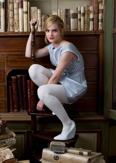 Emma Watson in pantyhose - http://stockings-celebs.blogspot.com/2014/12/emma-watson-in-pantyhose.html