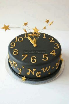 New Year cake decorating idea