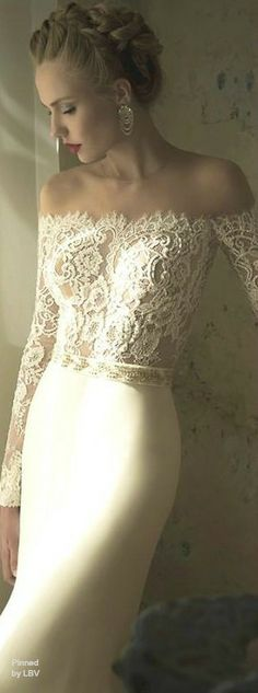 Wedding dresses should be the most the beautiful marks from a girl to a wife. Beauty yourself up as a princess with our gorgeous wedding dresses. Wedding Robe, Wedding Gowns, Wedding Hair, Lace Wedding, Glamour, Perfect Wedding, Dream Wedding, Mode Style, Dream Dress