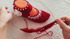Crochet Slippers, Fingerless Gloves, Arm Warmers, Fashion Shoes, Baby Shoes, Kids, Clothes, Youtube, Caps Hats