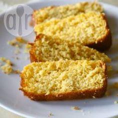 Bolo de milho em lata de liquidificador @ allrecipes.com.br - Esse bolo de liquidificador leva milho-verde em lata e fubá, sem adição de farinha. Rende 1 bolo pequeno.