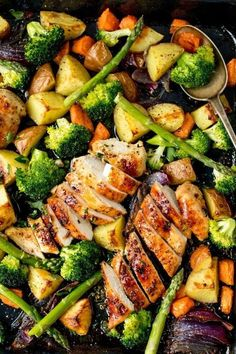 35 Minutes and One Sheet Pan Is All You Need for This Honey Mustard Chicken Recipe Healthy Dinner Recipes For Weight Loss, Healthy Recipes, One Pan Dinner Recipes, Vegetarian Recipes, Healthy Casserole Recipes, One Pan Meals, Easy Recipes, Chicken Broccoli Casserole, Broccoli Chicken