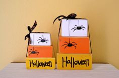 Halloween Candy Corn Photo Prop or Decoration - Set of 3 wooden block shelf sitters - GiftsbyGaby on Etsy Fall Wood Crafts, Halloween Wood Crafts, Halloween Projects, Halloween Candy, Holidays Halloween, Halloween Crafts, Holiday Crafts, Pumpkin Crafts, Happy Halloween