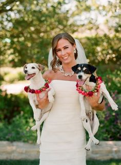 I love when people include their pets in their wedding :)