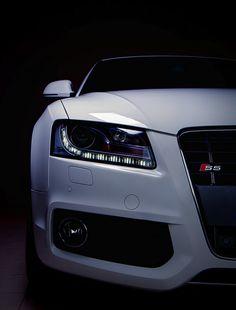 Audi S5.