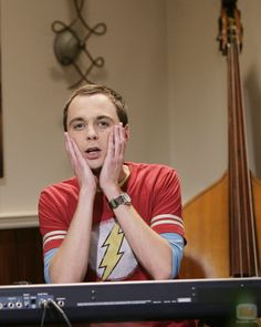 Sheldon Cooper aka Jim Parsons from The Big Bang Theory! Big Bang Theory, The Big Theory, Tim Burton, Bill Gates, Sheldon Cooper Memes, Pulp Fiction, The Big Bang Therory, Le Grinch, Phineas Et Ferb
