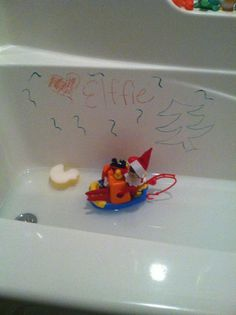 Elf on a Shelf - Fun in the tub