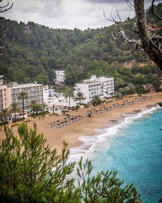 Kurze Spritzfahrt im Regen an der Küste Ibizas   #ibiza #seatibizatrip #neverstopexploring
