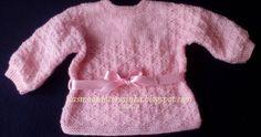 Para poder mostrar como se tricota este casaco, cujo modelo é muito antigo, tive de o tricotar fotografando as várias etapas. Fu...