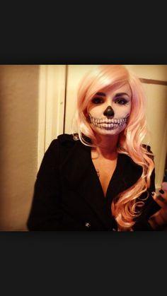 52 Gorgeous Skull Makeup Ideas to Try This Halloween # Soirée Halloween, Halloween Face Makeup, Halloween Costumes, Facepaint Halloween, Peach Hair, Pink Hair, Pastel Hair, Navy Hair, Beauty Tutorials