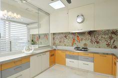Панно из плитки на кухню: модификации декора стен и 80+ вариантов элегантной и запоминающейся отделки http://happymodern.ru/panno-iz-plitki-na-kuhnyu/ Мозаичное панно с растительным рисунком и птицами. Размер у него не задан строго - как видно на фото, для нижнего края возможен добор в необходимом количестве