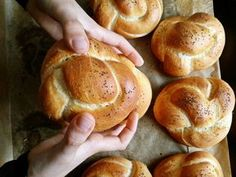 Menő+szendvicsalap:+házi+császárzsemle Bagel, Bread, Mom, Brot, Baking, Breads, Buns, Mothers