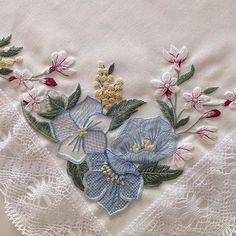 Mavi serisini tamamlayalım... #handmade #mavi #blue #embroidery #nakış #needleart #needlework #elişi #dekoratifnakış #