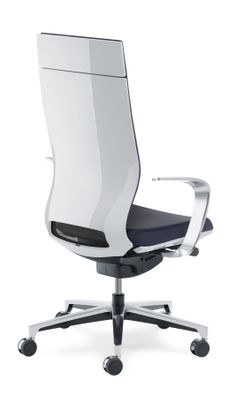 Moteo executive office chair with white backrest and designer armrests.