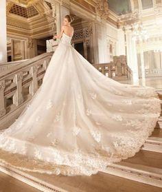 Schitterende sprookjes bruidsjurk Sisi van hoogwaardig kant
