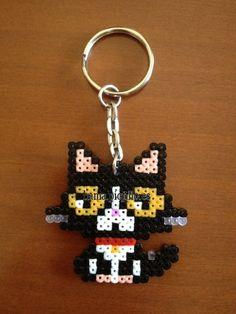 """Gato negro y blanco(1'50 €) (from <a href=""""http://hama.piojillo.es/picture.php?/157/tags/7-animales"""">Las cosas de Hama de Ana y Santi</a>)"""