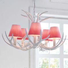 kronleuchter aus hirschgeweih mit 3 leuchten wohnhirsch hirsch elch alpenchic pinterest. Black Bedroom Furniture Sets. Home Design Ideas