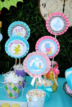 I think I will order these printables.   ALICE in Wonderland Birthday Circle BURSTS Party by KROWNKREATIONS